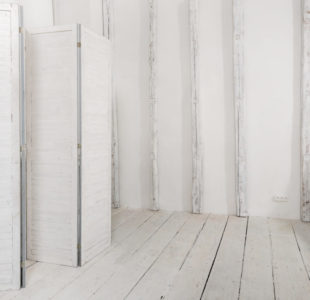 Белый лофт зал в Киеве
